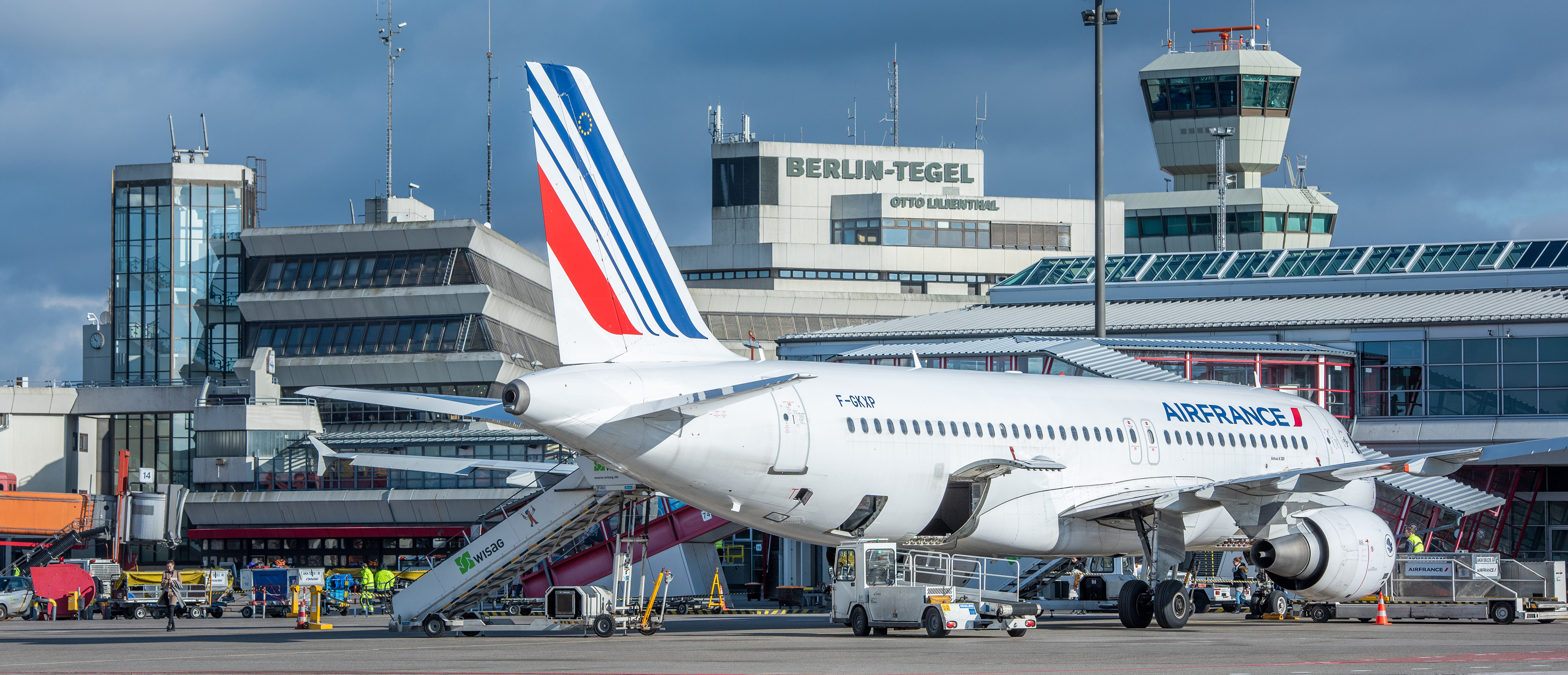Air France to discontinue Joon